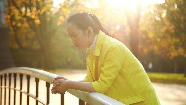 信神遭家人攔阻,她該如何堅持信仰